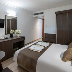 Kapetanios Limassol Hotel Cosy And Elegant Rooms